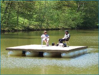 Petit moteur pour bateau